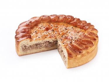 Пирог с телятиной и луком 800г
