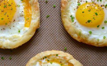 Слоеные тарталетки с яйцом и сыром - FreshMart