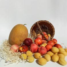 Набір сезонних фруктів - FreshMart
