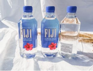 Вода мінеральна негазована Fiji 0,5 л - FreshMart